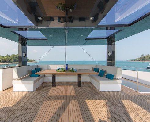 68 Ft Luxurious cata Top deck